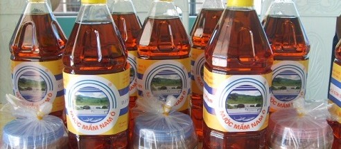 Photo by http://www.immivietnamvisa.com/blog/a-village-in-da-nang-preserves-art-of-fish-sauce/