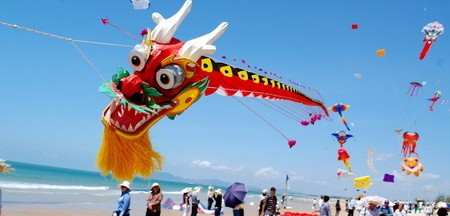Photo by http://www.vietnamonline.com/event/vung-tau-to-host-southeast-kite-festival.html