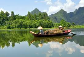 Photo by: http://www.waytovietnam.com/travel-guides/Vietnam_Destinations/MEKONG_DELTA.htm