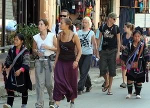 Photo by http://vietnameconomy.net/international-tourists-vietnam-increase/