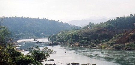 Image by http://vietnamnews.vn/travel/272237/northwest-river-captivates-intrepid-explorers.html