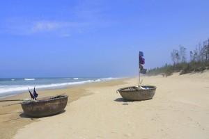 Image by http://hoianfinder.com/serene-beautiful-an-bang-beach/
